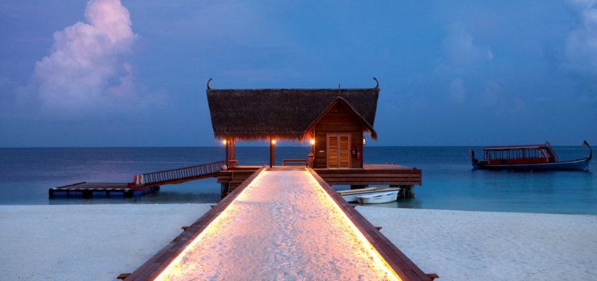 Constance Moofushi Resort 01