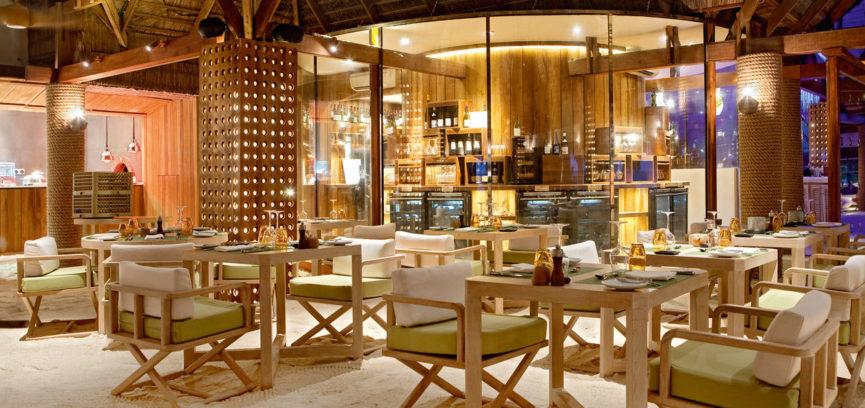 Constance Moofushi Resort 04