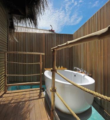 Constance Moofushi Resort 13