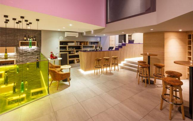 Swiss Wine Hotel And Bar 01