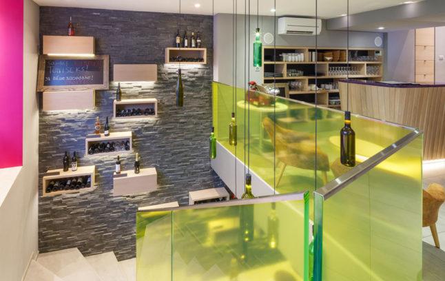 Swiss Wine Hotel And Bar 02